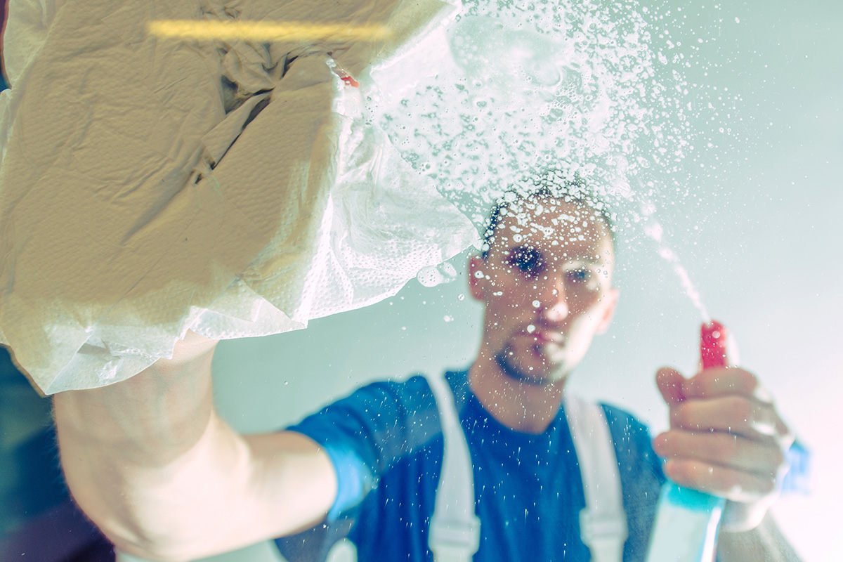 Советы по очистке стекол и металлических поверхностей